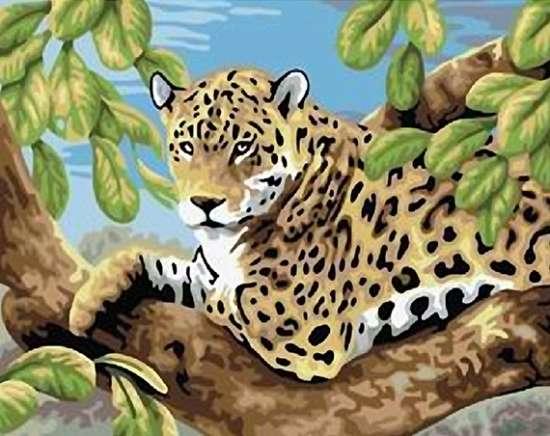Картина по номерам 40x50 Леопард отдыхает на высоком дереве