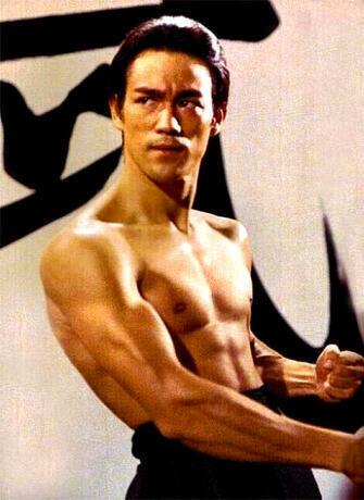 Картина по номерам 40x50 Брюс Ли на тренировке