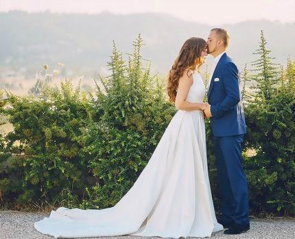 Картина по номерам 30x40 Жених и невеста в белом платье
