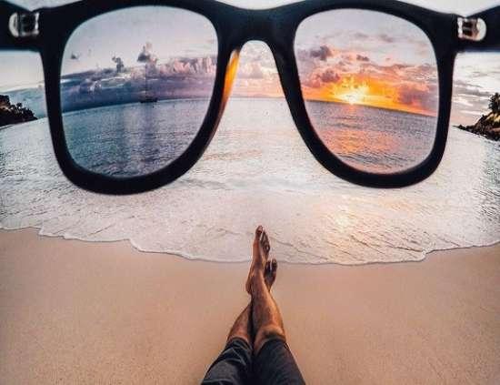 Картина по номерам 40x50 Закат сквозь очки