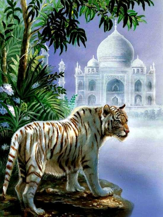 Алмазная мозаика 40x50 Белый тигр у призрачного дворца