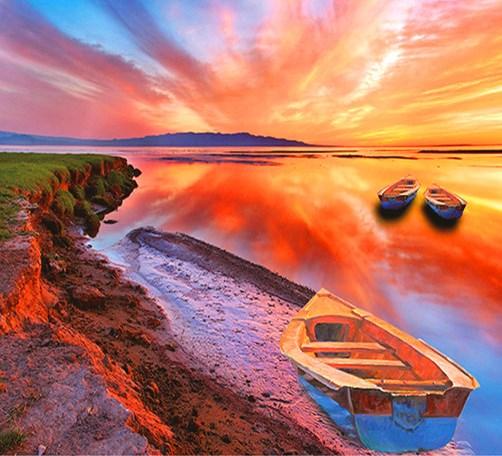 Алмазная мозаика 40x50 Лодки на красочном озере