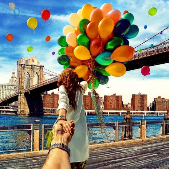 Алмазная мозаика 20х30 Девушка с шариками под Бруклинским мостом