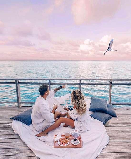 Картина по номерам 40x50 Пикник влюбленных у моря