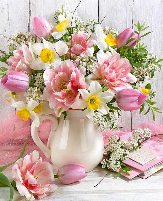 Картина по номерам 40x50 Белый кувшинчик с тюльпанами и нарциссами