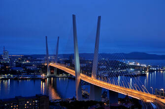 Картина по номерам 40x50 Ночной Золотой мост во Владивостоке